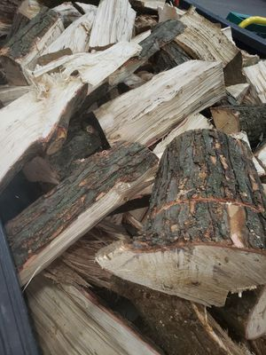 Firewood pick up or delivered for Sale in New Boston, MI