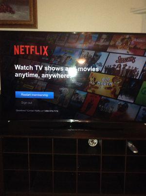 Samsung 55' uhd smart tv for Sale in Covington, WA