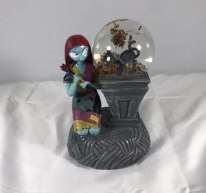 Nightmare before Christmas sally light up globe for Sale in Kissimmee, FL