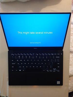 Dell XPS 9570 15 Laptop Computer ▪︎ i5 6th gen ▪︎ 8gb RAM ▪︎ 256gb SSD ▪︎ Backlit Keys ▪︎ Touchscreen ▪︎ FHD▪︎ Win Pro 10 ▪︎ InfinityEdge MINT! for Sale in Seattle, WA