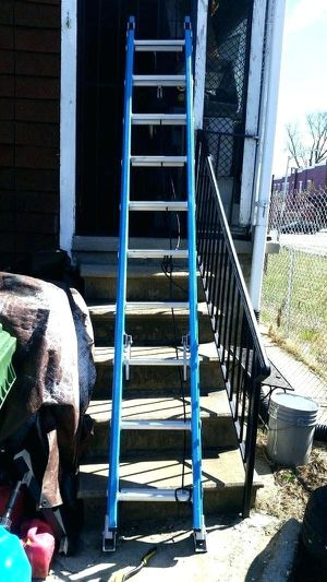 20ft fiberglass ladder used for Sale in Indianapolis, IN