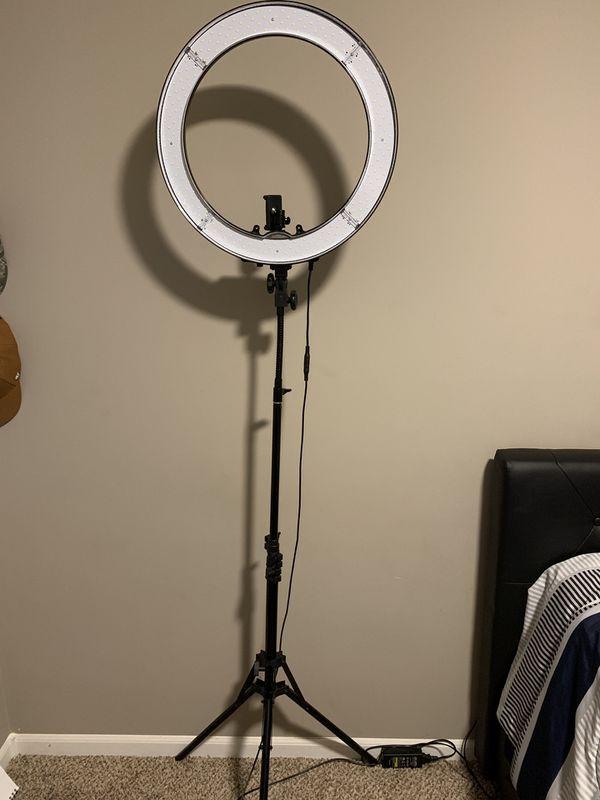 "NEEWER Ring Light 18"""