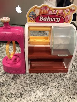 Shopkins bakery, frig & shoe dazzle for Sale in Providence,  RI