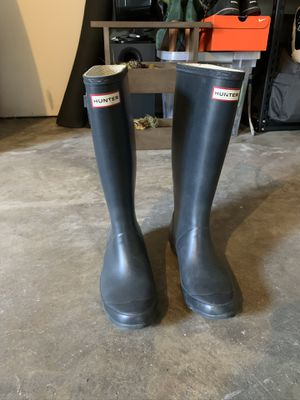 Hunter wide calf navy rain boot size 9 for Sale in Redwood City, CA