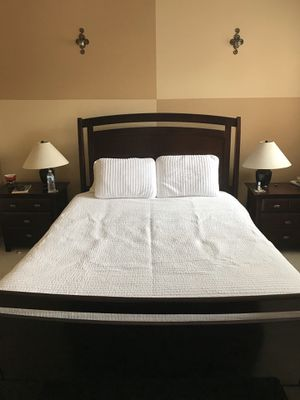 Queen size bed frame+ 2 night stands $120 for Sale in San Diego, CA
