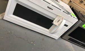 Whirlpool Microwave COBF for Sale in Phoenix, AZ