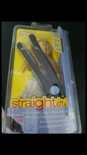 *** Brand New Mini Flat Iron Hair Straightener With Anti-Static *** for Sale in Anaheim, CA