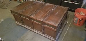 Trunk coffee table for Sale in Phoenix, AZ