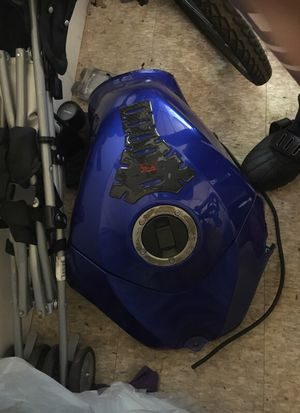 2006-2007 gsxr 600-750 gas tank for Sale in Silver Spring, MD