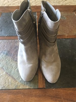 Women's high heel brown book for Sale in Keizer, OR