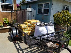 5.6' x 9.5' trailer, tittle n hand for Sale in Santa Ana, CA