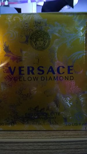 Versace yellow diamond for Sale in Columbus, OH