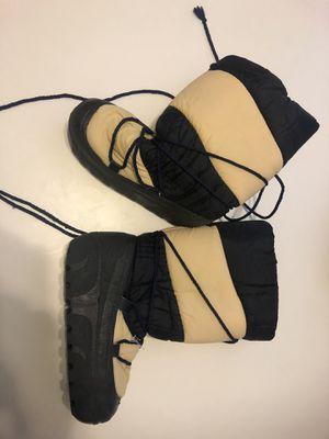 Snow /Alaska boots size 41/42 - US 10/11 for Sale in Saint Johns, FL