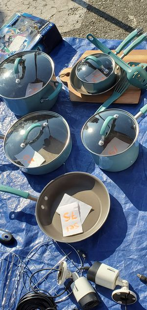 Rachel Ray pots and pans set for Sale in CRYSTAL CITY, CA