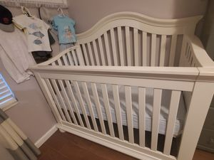Baby Crib, changing table, drawers and mattress for Sale in Lake Worth, FL