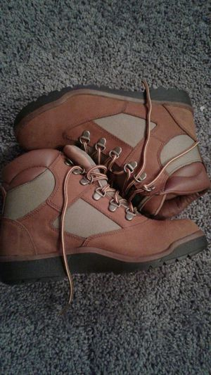 Timberland Brown and tan suede 5.5 boys for Sale in MD, US