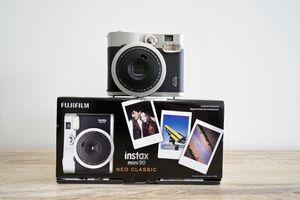 Fujifilm Instax Mini 90 Neo Classic Instant Film Camera ( Like New ) for Sale in Pinecrest, FL