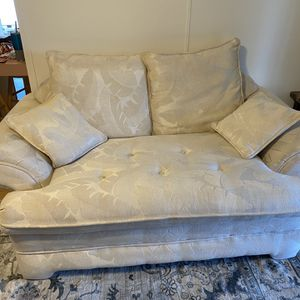 Cream Sod And Love Seat for Sale in Dade City, FL