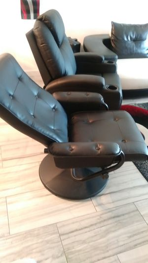 Chair n ottoman for Sale in St. Petersburg, FL