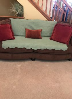 """Jackson 94"""" long Brown/Black Sofa for Sale in Etna,  OH"""