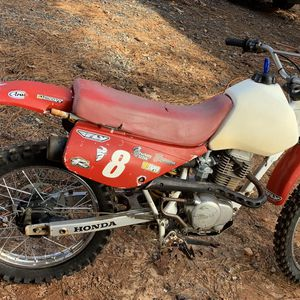 98 honda xr100 Dirt bike for Sale in Cumming, GA