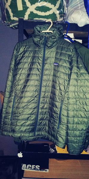 Patagonia Men's XL Nano puff quilted hoody for Sale in Garden Grove, CA