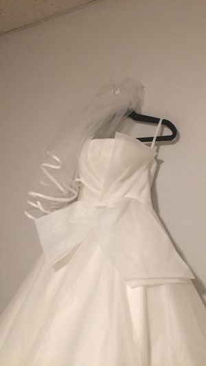 Wedding Dress White size 0-2 for Sale in Melrose, MA