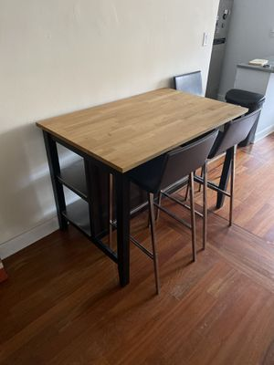 Kitchen island table for Sale in Queens, NY