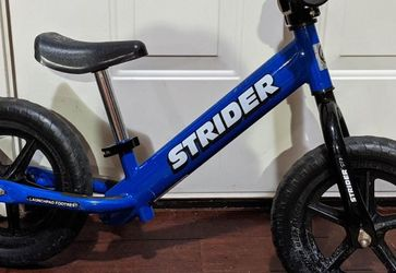 Strider - 12 Classic No-Pedal Balance Bike, Ages 18 Months to 3 Years, Blue for Sale in Lynnwood,  WA
