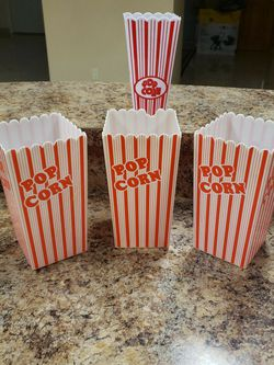 Brand New 4 pieces of popcorn holder for Sale in Queens,  NY