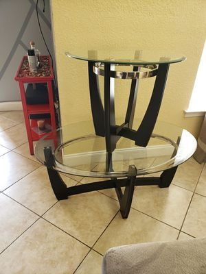 Coffee table and end table for Sale in Orlando, FL