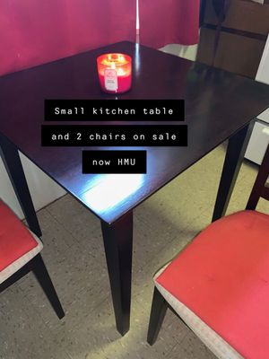 Small Kitchen table for Sale in Brooklyn, NY