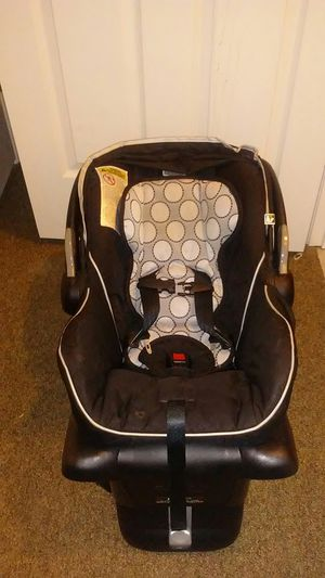 Infant car seat for Sale in Waynesboro, VA