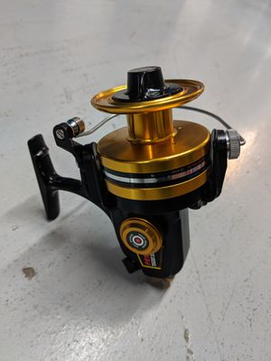 Penn 7500 SS Spinning Reel. Very Nice Condition. Ready for fishing. for Sale in Miami, FL