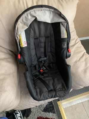 Car seat and bath tub FREE FREE FREE for Sale in Downey, CA
