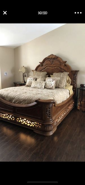 Aico bedroom king set for Sale in Poway, CA
