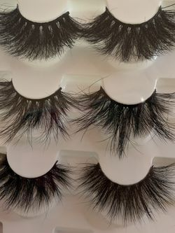 3 Pairs Of 25mm Mink Lashes Pack for Sale in Azusa,  CA