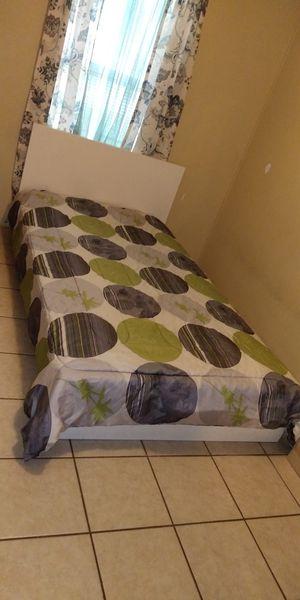 Twin bed for Sale in Wimauma, FL