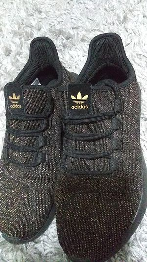 Adidas size 6 woman fits 7 for Sale in Fresno, CA