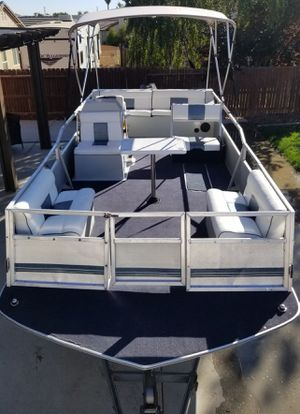 1989 ozark deck boat for Sale in Beaumont, CA
