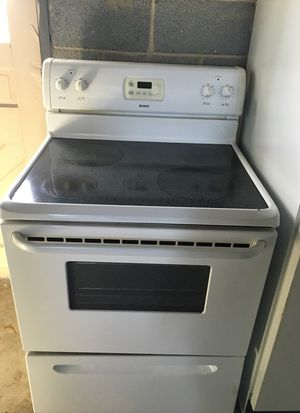 Kenmore glass top stove look new for Sale in Durham, NC