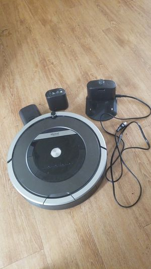 iROBOT Roomba robotic vacuum for Sale in Denver, CO