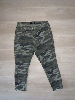 Express Jeans - women's size 16r for Sale in Chicago, IL
