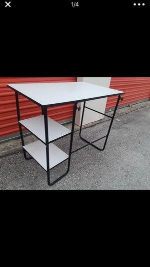 Small desk for Sale in Austin, TX