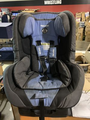 Recaro Car Seat needs cleaned $25 for Sale in Toledo, OH