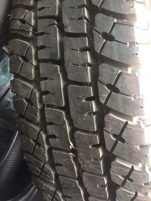 2 dos llantas LT235/80R17 michelin for Sale in Stockton, CA