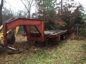 1996 Dove tail gooseneck trailer 25ft for Sale in Gladewater, TX
