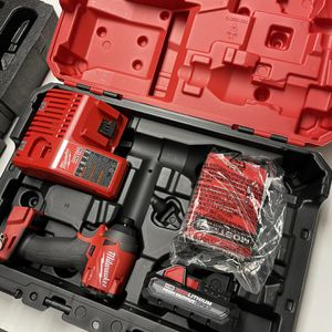 """Milwaukee M18 FUEL 1/4"""" hex impact driver, battery, charger, and hard case for Sale in Phoenix, AZ"""