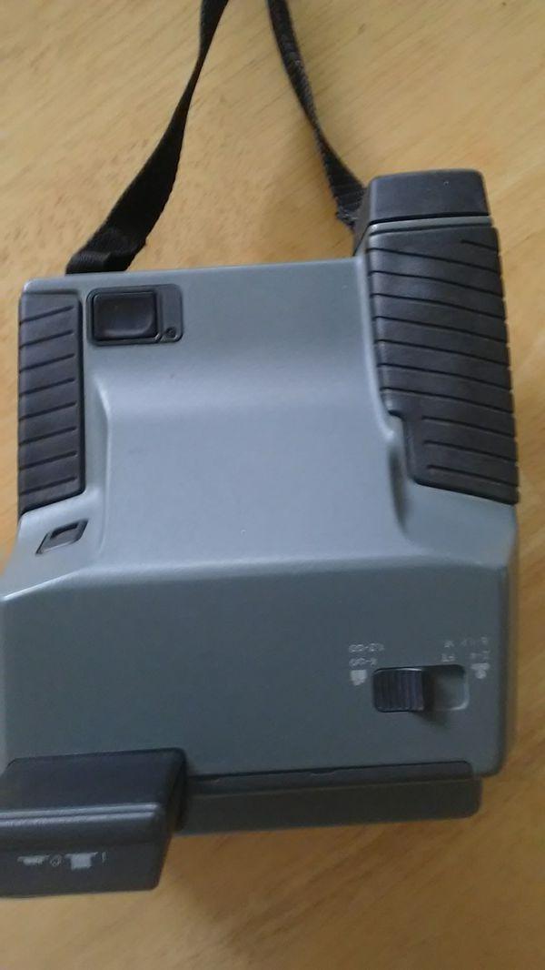 Vintage Collectible Polaroid Impulse 600 Plus Film Instant Picture Camera UK Made