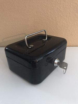 "Small Safer With Key Cashier for Small Change Safe Container Black W 6""1/4 x B 4.5 H 3 for Sale in Las Vegas, NV"